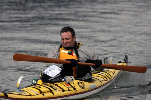 Fat Paddler finishing Hawkesbury Canoe Classic 2009