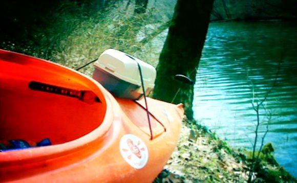 Fat Paddler at Cypress Creek, Florence Alabama USA (Daniel Perez)