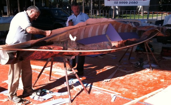 The Team Fat Paddler canoe being built in 2 hours by Master boat builders