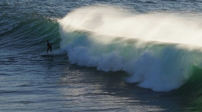 Beautiful winter swell at The Bower