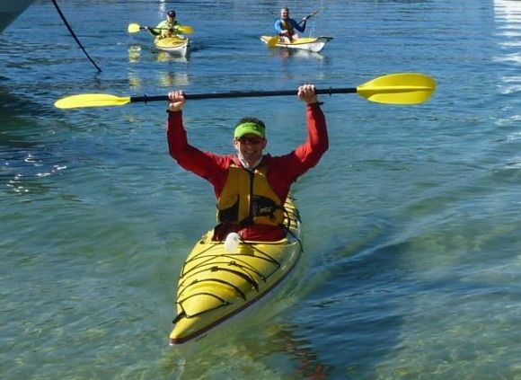 A triumphant Mark at the end of the paddle. Still not sure about that vizor!!