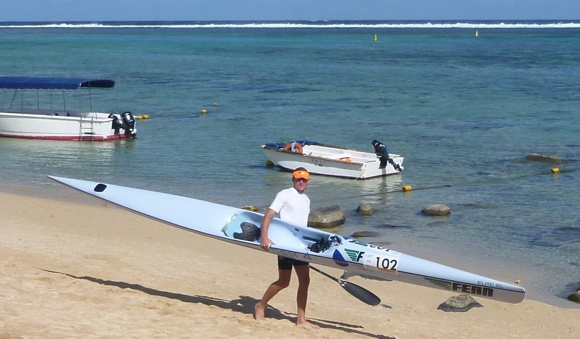 Lots of paddlers far better than us all around. Pro paddler Hank MacGregor, looking very confident around the water.